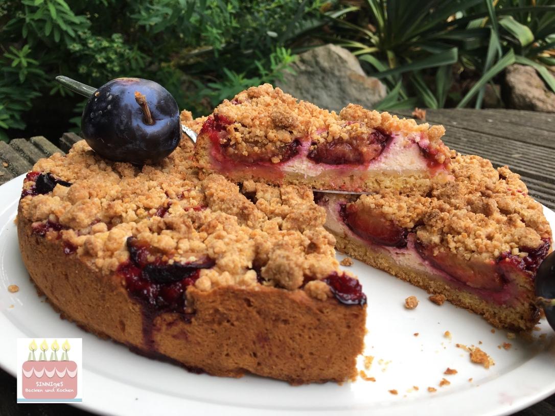 Zwetschgen Quark Kuchen Mit Amarettini Streuseln Sinniges Backen